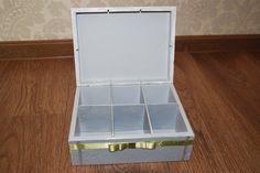 środek większego pudełka - świetnie sprawdza się na biżuterię