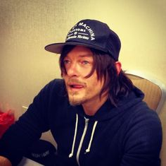 This pic will cause drooling RT@Ramos44Mauricio Photo claimed of @Michael Atkins Bald Head #normanreedus @ Chiller Theatre pic.twitter.com/ZC8tb68Ih5