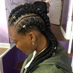 Love a good natural hair style & especially with this winter season coming. Get your braids and natural hair style done by Queen of Queens Beauty salon. Stop by to get your hair wigs hair care products and jewelry from Queen of Queens Beauty salon at our Swap Shop & Give back event on Sunday Dec 11. Click link in bio to register & get your free tickets #hair #naturalhair #wig #weave #style #hairstyle #hairdresser #nyc #swap #shop #hairproducts #give #giveback #christmas #event #donate…