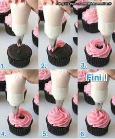 comment faire un glaçage de cupcake avec une douille étape par étape