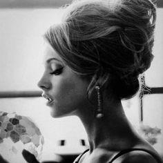 1960s chignon/bouffant