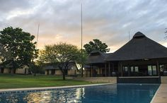 Set on manicured grounds, Lapeng Lodge is neatly tucked away between the mountains in a beautiful and tranquil environment close to Burgersfort, Limpopo. Lodge Wedding, Wedding Venues, Environment, Mansions, House Styles, Beautiful, Home Decor, Wedding Reception Venues, Wedding Places