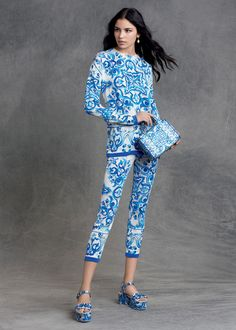 1 Dolce & Gabbana Women's Clothing Collection Winter 2016 (3)