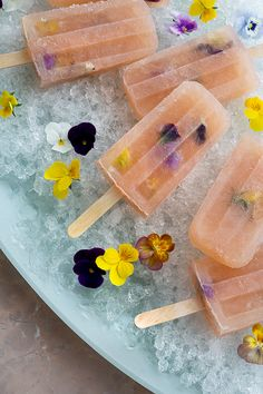 Bellini Popsicles with Edible Flowers / Honestly YUM