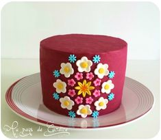 Gâteau Vanille Framboise - Au pays de Candice Birthday Cake, Desserts, Chocolates, Food, Lily, Design, Vanilla Cake, Sweet Treats, Dog