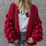 Oversized Chunky Thick Cable Knit Cardigan Sweater Obsessed with this womens chunky knit cardigan, nice red crochet sweaters open front baggy knitted sweater oversized cable loose sweater Womens Chunky Knit Cardigan, Oversized Knit Cardigan, Crochet Cardigan, Knit Crochet, Chunky Crochet, Handgestrickte Pullover, Cardigan En Maille, Big Knits, Hand Knitted Sweaters