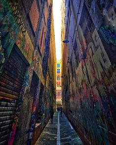 Instagram #SeeAustralia #seevictoria #melbourne #building #wall #streetart #streetartphotography #graffiti #laneway #melbournelaneways #instadaily #picoftheday #inception #instaphoto #graffitiart #narrow #colourful #design #art #urbanart #streetphotography #life #sprayart by danielitom76 http://ift.tt/1NzNCSO November 28, 2015 at 07:24AM