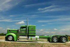 Kenworth W900L