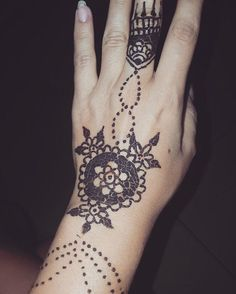 See this Instagram photo by @hennaartbyiulia • 5 likes