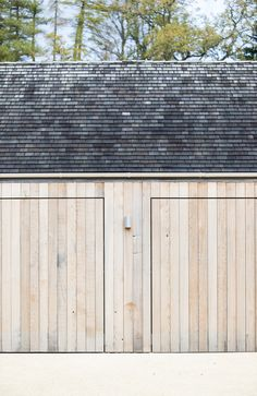 Designer garagentor  Garagentor Garagentor aus Holz, flächenbündig | Architektur ...
