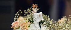 18 Romantic Wedding Cake Toppers