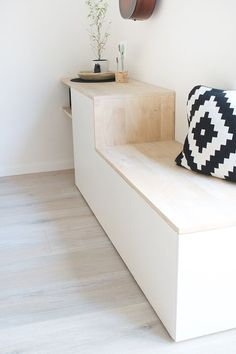 Do it yourself: Besta and wood become a sideboard with si .- Do it yourself: Aus Besta und Holz wird ein Sideboard mit Sitzbank DIY Sideboard with Besta Bench by Ikea Build Your Own – Gingered Things - Interior Ikea, Interior Design, Entrada Ikea, Diy Bank, Diy Home Decor, Room Decor, Side Board, Home And Living, Living Room