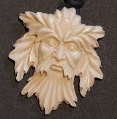 Amulette - Anhänger Forest Man Celtic Keltisch Mammut Bein - ein Designerstück von carvingcollection bei DaWanda
