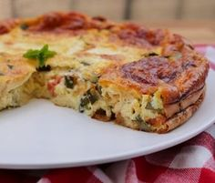 Clafoutis courgettes tomates mozzarella - The Best Breakfast and Brunch Spots in the Twin Cities - Mpls. Veggie Recipes, Cooking Recipes, Healthy Recipes, Zucchini Tomato, Tomate Mozzarella, Quiches, Good Food, Yummy Food, Diet And Nutrition