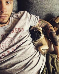 Doggo mans best fren  #boy #tattoo #tats #tattoos #dog #pug #puppy #ink #inked #guy #man #friend #czechboy #tatted #tattooed #starwars #inkedguys #tat #guyswithtattoos #pugsofinstagram #puppylove #dogs #dogsofinstagram #dogstagram #pugstagram #style #fitness #photooftheday