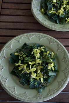 Kale Flower Salad   GotNourishment.com