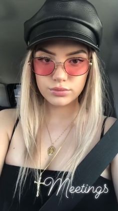 Alissa Violet Hair, Allisa Violet, Moving To Los Angeles, Hot Blondes, Pretty Girls, Celebrity Style, Sunglasses Women, Cute Outfits, Beautiful Women