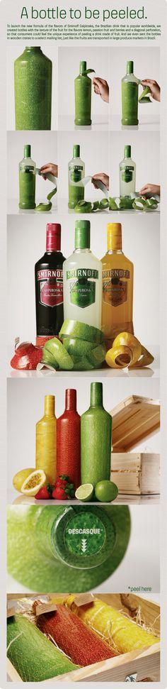 """Para lanzar la nueva fórmula de Smirnoff Caipiroska, la bebida brasilera creó botellas cubiertas por texturas de frutas. El consumidor puede sentir la experiencia única de """"pelar"""" la botella."""