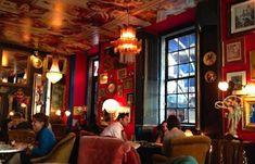 Pensão do Amor, Lisbon bar