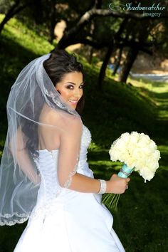 San Diego wedding photographer, Los Willows bride before the ceremony portraits