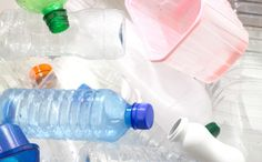 5 Incredible Oil-Free Ways to Make Plastic - Great to hear! As long as it breaks down into something that is not toxic! Green Fence, Network For Good, Climate Change, Plastic Recycling, The Incredibles, Conservation, Herb, Sustainability, Scary