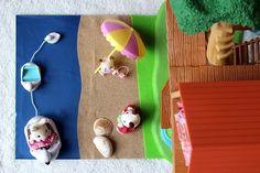 Il y a deux semaines, j'ai réalisé un petit jardin sensoriel pour les Sylvanian Families de Poupette. Elle en avait très envie et une fois le bricolage terminé, j'ai adoré voir ses petits yeux briller et entendre sa jolie voix me dire que «oh c'est trop joli maman!» ♥ MATÉRIEL UTILISÉ · Un support cartonné · Des papiers de différentes textures aux couleurs de la nature (feutrine, papier de verre, papier glacé, papier mousse, etc…) · De la colle pour papier et carton (j'utilise la colle…