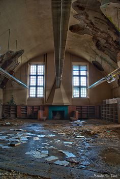 Mark Twain Public Library in Detroit.               How awful that this renowned library is left there to decay.
