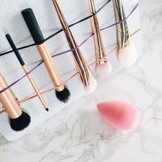 Desi Perkins genius DIY trick to clean makeup brushes - EverydayStarlet.com
