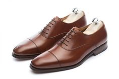 One of our most popular styles revisited, our contemporary take on the classic cap toe. A very elegant choice Goodyear Welted on the sleek & contemporary ELTON last. Theres no better choice for the modern gentleman. You cant go wrong with this modern vers