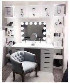 Makeup Room Decor, Makeup Rooms, Room Ideas Bedroom, Bedroom Decor, Mirror Bedroom, Bedroom Designs, Wall Mirror, Decor Room, Mirror Shelves