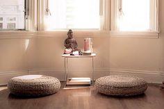Best yoga room ideas meditation corner reading nooks Ideas Check more at yoga. Meditation Raumdekor, Meditation Room Decor, Simple Meditation, Meditation Pillow, Simple Yoga, Meditations Altar, Sala Zen, Corner Reading Nooks, Home Yoga Practice