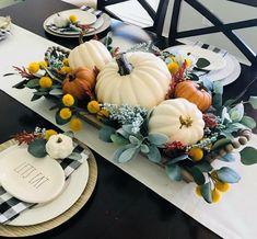 �аг��зка... Читайте також також Різдвяний декор з горіхів Різдвяні віночки з фетру (+викрійки) Різдвяні віночки з ялинкових кульок(30 фото) Шаблони Новорічних витинанок Рукавички- витинанки Різдвяні … Read More Thanksgiving Centerpieces, Thanksgiving Table Decor, Holiday Tables, Thanksgiving Lunch, Thanksgiving Recipes, Fall Table, Decoration Table, Harvest Table Decorations, Autumn Home