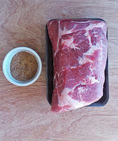 Boston butt aka pork butt aka pork shoulder is ideal for pulled pork! Oven Roasted Pulled Pork, Pulled Pork Roast, Smoked Pulled Pork, Chicken Pork Recipe, Chicken Dips, Pork Recipes, Cooking Recipes, Pork Rub, Recipes