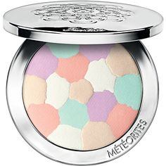 As a perfect example of its beauty expertise, Guerlain has transformed its legendary Météorites pearls into a stunning compact. The pearls are finely pressed to form a beautiful mosaic of light-enhancing and corrective shades. Together, they create a subtle and natural effect by giving every skin tone just the right amount of light and correction. The Météorites signature palette of corrective matte shades - refreshing pink and light-catching mauve - gently balance the complexion, while ...