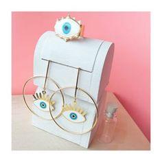 Eyes Set ♡👀.Maxi-aretes y anillo de ojo turco 👁.WhatsApp 📱3022736221.💌 Accesorios a tu medida💌 Envíos 🆓️Gratis por compras de más de tres productos💌 Precios al detal y al por mayor (inicia tu propio negocio👩💻)💌 Envíos 💯% seguros a todo 🇨🇴.#anillo #maxiaretes #accesorios #colombia #jewlery #accesorioscolombia #mejorprecio #bogota #earrings #medellin #ring #ojos #accesoriosbogota #accesoriosmedellin #compraseguro #set #kiss #anillos #anilloojoturco Eye Necklace, Earrings, Bijoux Diy, Jewerly, Piercings, Enamel, Collage, Eye Of Horus, Shopping