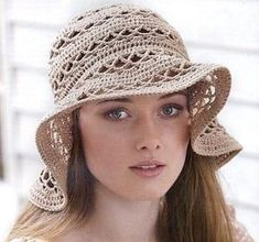 Crosetata Hut – Crochet World Bonnet Crochet, Crochet Tunic, Beanie Knitting Patterns Free, Crochet Patterns, Crochet Summer Hats, Crochet Hats, Selling Crochet, Crochet Toddler, Diy Couture