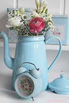 bule de ágata se transforma em vaso de flores