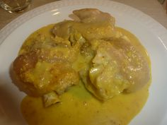 Manos de Cerdo en salsa de Almendras. http://weblogencjmnz.blogspot.com/2013/04/manos-de-cerdo-en-salsa-de-almendras.html