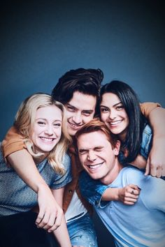 Riverdale I will be publishing here: ~ memes ~ quotes ~ gifs ~ wallpapers ~ . - Riverdale I will publish here: ~ memes ~ quotes ~ gifs ~ wallpapers ~ photos ~ fac - Riverdale Poster, Riverdale Series, Riverdale Netflix, Riverdale Funny, Bughead Riverdale, Veronica, Riverdale Wallpaper Iphone, Riverdale Betty And Jughead, Riverdale Aesthetic