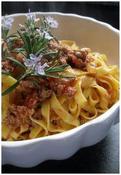 Tagliatelle e Ragù classico bolognese