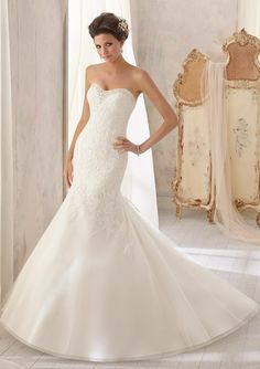 5211 Wedding Gowns / Dresses 5211 Delicately Beaded Chantilly Lace Combined with Venice Lace on Net