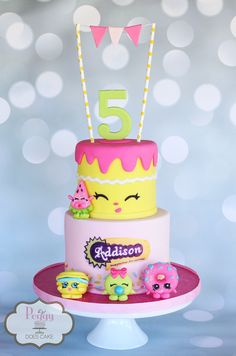 Peggy Does Cake. Hi, I'm Peggy Lee from Brandon, Mississippi, lover of all things cake! Bolo Shopkins, Fete Shopkins, Shopkins Birthday Cake, Shopkins Party Ideas, Birthday Cakes, Cupcakes, Cupcake Cakes, Pastel Shopkins, Girl Cakes