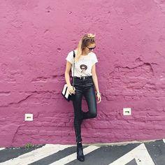 Bora fingir que tamo naquela parede rosa famosa de LA?💗✨🌸 #today #lookdodia…