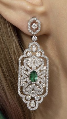 Gems Jewelry, Art Deco Jewelry, Diamond Jewelry, Jewelery, Jewelry Design, Antique Jewelry, Vintage Jewelry, Diamond Tops, Emerald Earrings