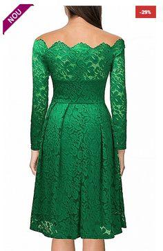 Rochie eleganta de dama, realizata din dantela florala, iti va da un plus de eleganta si stil.  Poarta aceasta rochie si vei avea un look p...