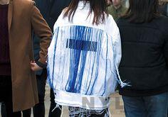 NYLON KOREA STREET STYLE // 스트리트 쿠튀르란 이런 것. 블루 컬러 프린지 디테일 의 점퍼가 근사하다. 진정한 걸 크러시! Denim Fashion, Fashion Outfits, Womens Fashion, Fashion Details, Fashion Design, Fashion Sketches, Textiles, Fabric Design, Fashion Show