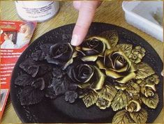 Metal Crafts, Diy Arts And Crafts, Clay Crafts, Wine Bottle Crafts, Bottle Art, Aluminum Foil Art, Clay Wall Art, Metal Embossing, Clay Art Projects