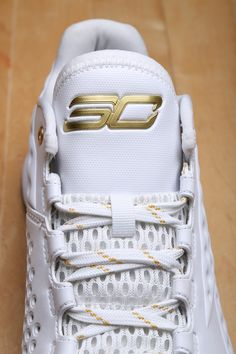 """EXCLUSIVE // STEPHEN CURRY'S """"FRIENDS & FAMILY / MVP"""" UNDER ARMOUR CURRY ONE LOW"""