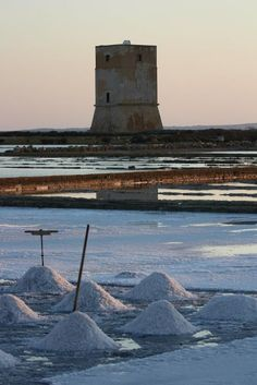 #Saline #Trapani at the #sunset after a working day a wonderful gift of nature  www.bebtrapanigranveliero.it :)