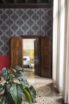 Corte Di Gabriela is a designer hotel with elegant rooms and a common internal courtyard. Exposed Beams, Internal Courtyard, Little Houses, Home Decor, Venetian Hotel, Terrazzo Flooring, Room, Industrial Chic, Hotels Room
